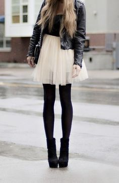 ballerina skirt with opaque tights, a fitted jacket and booties. Top it off with a cozy knit hat so you'll stay both stylish and warm. Hard and soft outfit for your inner rocker Make Girl, Look Girl, Look Fashion, Fashion Beauty, Street Fashion, Dress Fashion, Fashion Skirts, Outfit Trends, Flowy Skirt