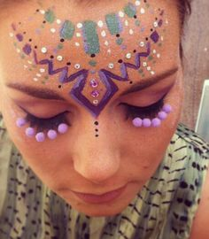 Beautiful mix of bindis and face paint by a group on insta gram called @itsinyourdreams. These are some of my favorite