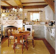 'The Holiday'...Rose Cottage kitchen