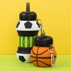 Football at basketball? Kids Bottle, Football Pitch, Vibrant Colors, Colours, Nursery Accessories, Plastic Waste, Funny Design, Drink Bottles, Drinks