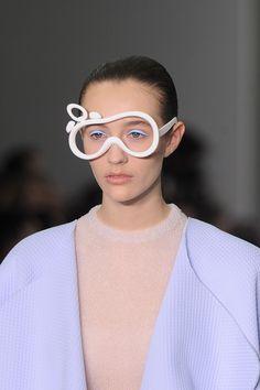XIAO LI , FALL 2016. Facesunglasses Fashion Details, Fashion Fashion, Runway Fashion, Fashion Trends, Xiao Li, Big Glasses, Shady Lady, Heart Shaped Sunglasses, Four Eyes