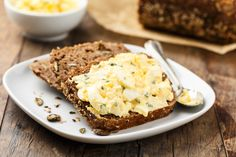 Health How to Make A Buttermilk-Herb Egg Salad Sandwich – Health How to Make A Buttermilk-Herb Egg Salad Sandwich Search Source link. Rye Bread Recipes, Quiche Recipes, Egg Recipes, Grilled Pizza Recipes, Egg Salad Sandwiches, Healthy Sandwiches, Wraps, Easy Snacks, Eggs