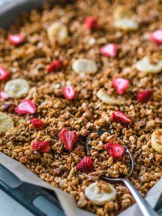 Ihanan Rapea Granola (G) Great Recipes, Favorite Recipes, Most Delicious Recipe, Breakfast Snacks, Granola, Food Videos, Brunch, Yummy Food, Meals