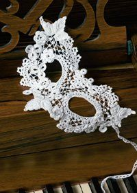 Maire Treanor's Burano Clones Lace Mask  3 Tips for Thread Crochet - How to Crochet - Crochet Me