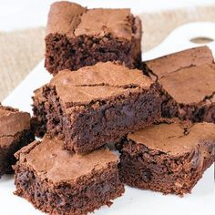 Keto Brownies have a rich, chocolate taste and gooey consistency you expect from brownies. The rich taste comes from the baking chocolate and coffee. Keto Brownies, Chocolate Brownies, Chocolate Flavors, Buckeye Brownies, Caramel Brownies, Chocolate Cakes, Mayonnaise, Brownie Recipes, Dessert Recipes