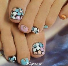 Pretty Toe Nails, Cute Toe Nails, Pretty Toes, Fancy Nails, Trendy Nails, Pedicure Designs, Pedicure Nail Art, Toe Nail Designs, Toe Nail Art