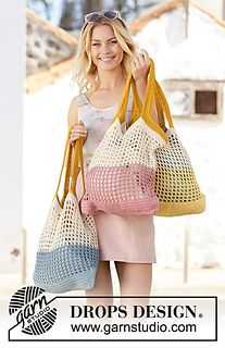 Back to the Beach Crocheted bags with stripes in DROPS Paris. The piece is worke… Back to the Beach Crocheted bags with stripes in DROPS Paris. The piece is worked in the round, bottom up Free crochet pattern DROPS Crochet Market Bag, Crochet Tote, Crochet Purses, Crochet Stitches, Knit Crochet, Knit Cowl, Cotton Crochet, Hand Crochet, Beach Crochet