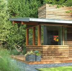studio rustic garage and shed / The Green Life <3
