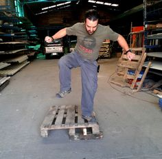 RECYCLED PALLET, HOW TO DISMANTLE A WOODEN PALLET without tools, without...