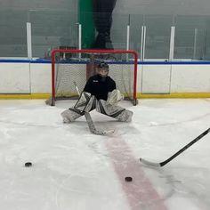 🎥: — these kids are dialed 🔥 💪🏼 Hockey Drills, Hockey Goalie, Hockey Players, Ice Hockey, Soccer, Youth Hockey, Hockey Mom, Hockey Stuff, Funny Hockey Memes