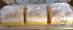 Francouzské krémeše posypané moučkovým cukrem