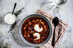 Vegetariánský boršč | Kitchenette | Bloglovin' Kitchenette, Chana Masala, Chili, Cooking, Ethnic Recipes, Soups, Chile, Kochen, Chilis