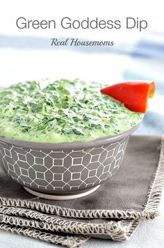 Green Goddess Dip is a bright fresh dip for vegetables, or to serve on top of grilled chicken. This version is made with Greek yogurt to help lighten it up. Dip Recipes, Appetizer Recipes, Cooking Recipes, Healthy Recipes, Green Goddess Dip, Pesto, Sauces, Dips, Appetisers