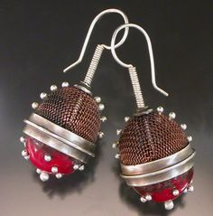Red mesh earrings with balls on mesh
