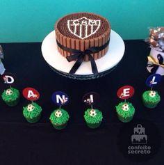 Bolo Galo e Cupcakes Futebol