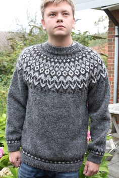Ravelry: Project Gallery for Riddari pattern by Védís Jónsdóttir Fair Isle Knitting Patterns, Knitting Designs, Knit Patterns, Icelandic Sweaters, Knit Dishcloth, Hand Knitting, Knitwear, Knit Crochet, Men Sweater