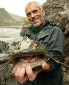 Jeremy Wade - love it when he smiles! Jeremy Wade, John Wade, Happy Fishing, Gone Fishing, Fishing Bait, River Monsters, Sea Monsters, Wading River, Monster Fishing