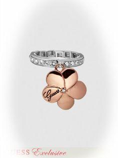 98115e62782b0 GUESS Women s Blossom Stretch Ring