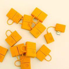 Tory Burch mini satchel USBs, via Blair Eadie's @blaireadiebee Instagram
