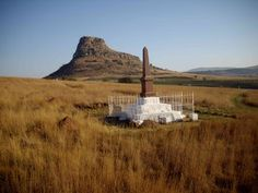 Isandlwana Battlfield The Natal Carbineers& Monument - Battle of Isandlwana The Natal Carbinee. Provinces Of South Africa, African States, Model Tanks, Kwazulu Natal, British Soldier, British Colonial, African History, Monument Valley, War Memorials