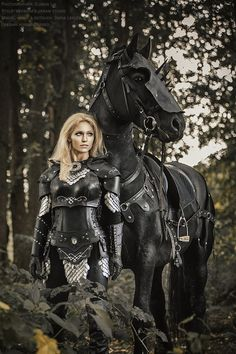 Cosplay Reiter-Kriegerin – Ritterin der Golgariten Cosplay Reite… Cosplay Rider Warrior – Knight of the Golgarites Cosplay Rider Warrior – Knight of the Golgarites Fantasy Warrior, Warrior Girl, Warrior Princess, Warrior Women, Dark Warrior, Fantasy Characters, Female Characters, Female Armor, Female Warrior Costume