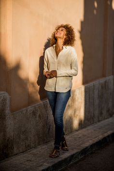 Ziffiks   Summer Fashion   Jeans and shiny off white shirt