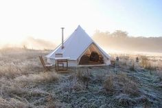 The Sibley 600 Twin Ultimate is the ultimate Canvas Glamping tent. The Sibley 600 is a Glamping Palace Camping Glamping, Camping Hacks, Outdoor Camping, Bell Tent Camping, Beach Camping, Camping Checklist, Camping Outdoors, Camping Essentials, Family Camping