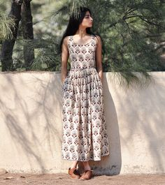 Paisley print fit and flare maxi - KharaKapas