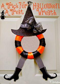 A Trick For A Treat Halloween Wreath via Little Miss Celebration #DIY