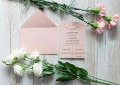 Delikatne, brzoskwiniowo-różowe winietki z dodatkiem różowo-złotego złocenia. Motyw strzały na całym zaproszeniu. Napkins, Towels, Dinner Napkins