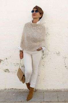 Women's poncho, more minimalist, Poncho Pullover, Poncho Sweater, Knitted Poncho, Winter Poncho, Ladies Poncho, Cooler Look, Neutral Outfit, Look Fashion, Classy Fashion