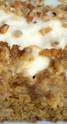 Pumpkin Pie Poke Cake More - Desserts - cake recipes 13 Desserts, Delicious Desserts, Yummy Food, Winter Desserts, Plated Desserts, Nutella Brownies, Mary Berry, Poke Cake Recipes, Dessert Recipes