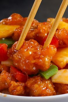 Delicious sweet and sour chicken and rice instant pot just on food lover recipes ideas Chinese Chicken Recipes, Easy Chinese Recipes, Healthy Chicken Recipes, Asian Recipes, Cooking Recipes, Ethnic Recipes, Sweet Abd Sour Chicken, Sweet And Sour Fish Recipe, Sweet And Sour Prawns
