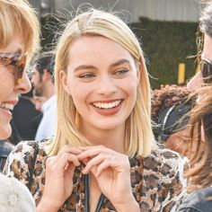 All The Times Margot Robbie Has Aced It On The Red Carpet – Celebrities Female Atriz Margot Robbie, Margot Elise Robbie, Actress Margot Robbie, Margot Robbie Harley Quinn, Just Girl Things, Gal Gadot, Famous Women, Pretty People, Your Hair
