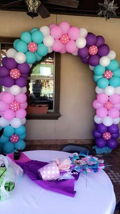and powerful . it's possible👏🌼👏 - Balloon Decorations 🎈 - -Simple and powerful . it's possible👏🌼👏 - Balloon Decorations 🎈 - - Balloon Columns, Balloon Arch, Balloon Garland, Birthday Balloon Decorations, Birthday Balloons, Baby Shower Decorations, Deco Ballon, Balloons Galore, Decoration Evenementielle