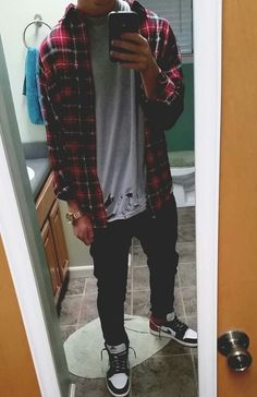 Jordans Outfit For Men, Cool Outfits For Men, Stylish Mens Outfits, Casual Outfits, Tomboy Fashion, Streetwear Fashion, Fashion Outfits, Estilo Vans, Teenage Boy Fashion