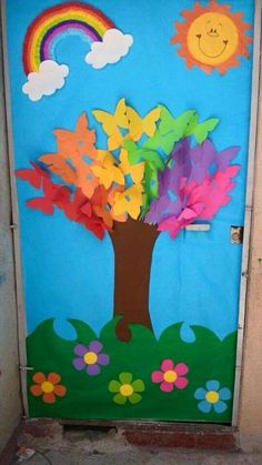 spring bulletin boards and classroom ıdeas archives for kids Spring or a great kindness tree This post was discovered by Dá Decoration Creche, Board Decoration, Preschool Door, Preschool Crafts, School Door Decorations, Preschool Decorations, Spring Bulletin Boards, Butterfly Tree, School Doors