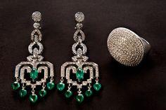 Brinco e anel com diamantes e Esmeraldas