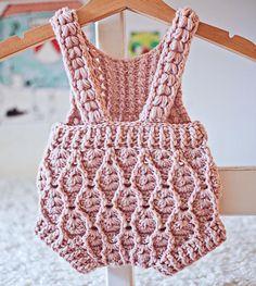 Crochet PATTERN – Elodie Romper (sizes and – Mundo de ganchillo Crochet Baby Dress Pattern, Crochet Romper, Romper Pattern, Baby Girl Crochet, Baby Knitting Patterns, Baby Patterns, Crochet Hooks, Crochet Patterns, Booties Crochet