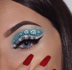 50 Inspire Eye Make Up Ideas For This Christmas Dramatic Eye Makeup, Eye Makeup Art, Blue Eye Makeup, Smokey Eye Makeup, Fun Makeup, Awesome Makeup, Easy Makeup, Eye Art, Makeup Eyeshadow