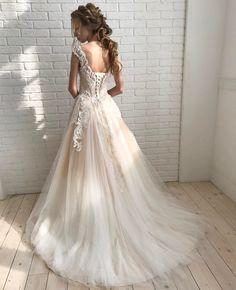 """324 Likes, 7 Comments - Свадебный салон Marry Me (@marryme_bridal) on Instagram: """"И спинку нельзя оставить без внимания 😍 девочки, не знаем как вы, но мы пищим от этого платья ❤️🤗…"""""""