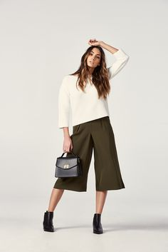 Strike a pose and look effortlessly chic in our flowy Drape Gaucho Pants.