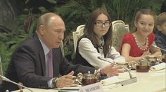 Putin Greets Family Of Year National Contest Winners