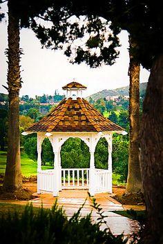 Wedgewood Wedding & Banquet Center at Indian Hills Golf Club  http://www.weddinglocation.com/destination/wedgewood-wedding-banquet-center-at-indian-hills-golf-club/
