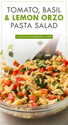 Easy Lemon Orzo Pasta Salad Recipe - This simple lemon orzo pasta salad is one of our favorite summer recipes! Serve this caprese inspired salad warm or cold for a simple side dish. Keep it vegan or add your favorite cheese or protein! Pasta Side Dishes, Pasta Sides, Side Dishes Easy, Food Dishes, Cold Side Dishes, Spaghetti Sides Dishes, Cold Pasta Dishes, Summer Side Dishes, Food Food