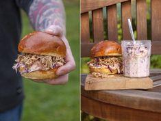 Burger s trhaným masem, coleslaw a chipotle dip Chipotle Dip, Coleslaw, Salmon Burgers, Street Food, Dips, Cooking, Ethnic Recipes, Blog, Kitchen