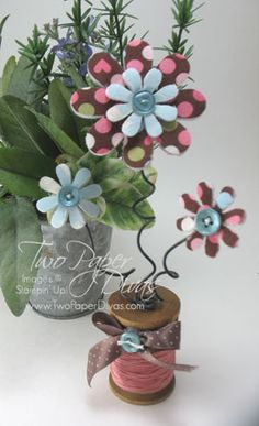 Big Shot Padded Flowers: this is an awesome site, with lots of tutorials