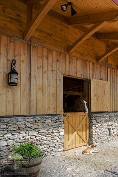 Rankin custom timber frame horse barn