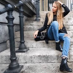 Made in Portugal, Lemon Jelly embraces a sustainable fashion movement and stands out for its unmistakable lemon scent. Explore the women's jelly boots and shoes Jelly Shoes, Passion For Fashion, Sustainable Fashion, Style Me, Shop Now, Lemon, Comfy, Stylish, Boots