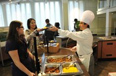 Colonial Quad: Dig into the multitude of options on #UAlbany's Colonial Quad. Try mac n' cheese, wings and more!